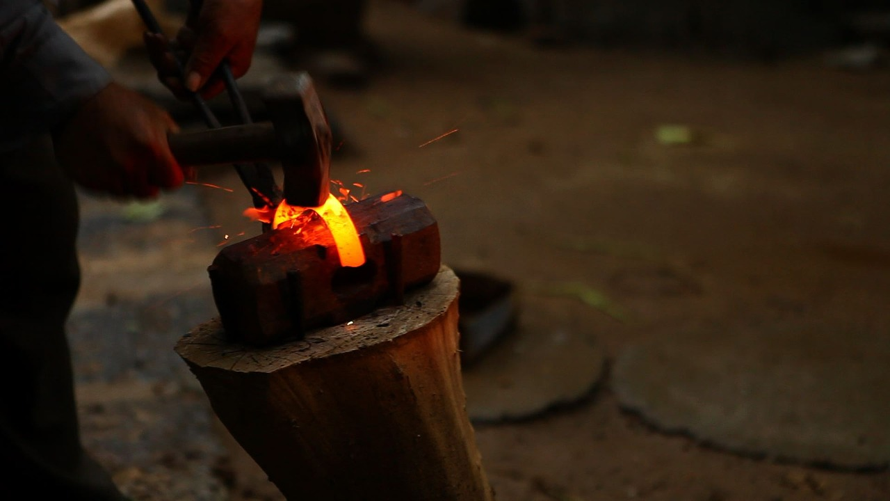blacksmith-1174956_1280